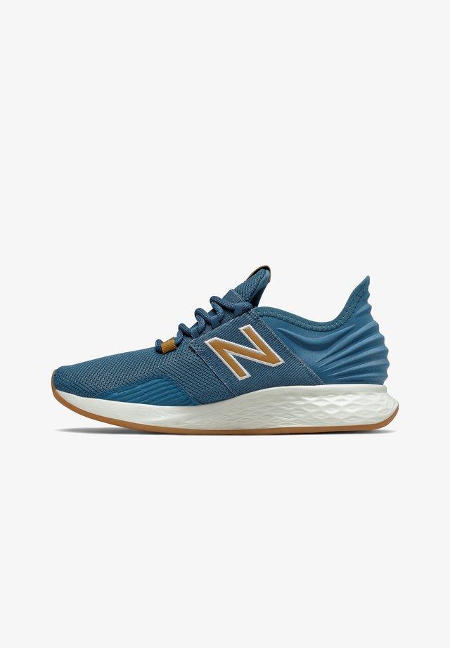 FRESH FOAM ROAV - Chaussures de running neutres - blue/nb light blue