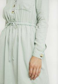 Miss Selfridge Petite - DRESS - Vapaa-ajan mekko - green - 6