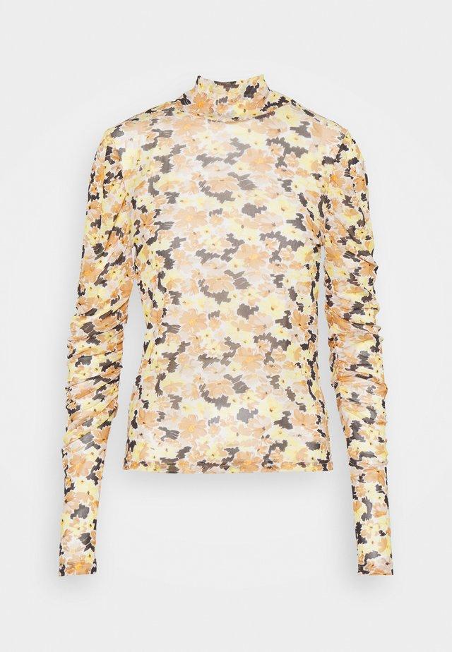 STEM - Langærmede T-shirts - multi scribble floral