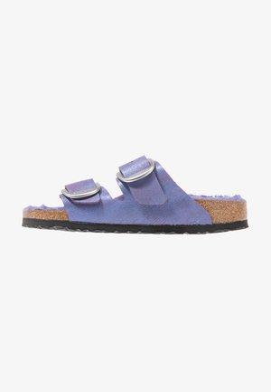 ARIZONA - Chaussons - washed metallic violet