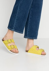 Colors of California - Slippers - yellow - 0
