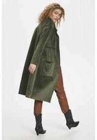 Denim Hunter - DHBELLE SHEARLING COAT - Płaszcz wełniany /Płaszcz klasyczny - forest night - 4