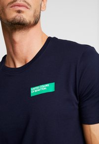 Benetton - Print T-shirt - dark blue