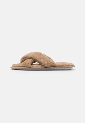 Domácí obuv - mocha