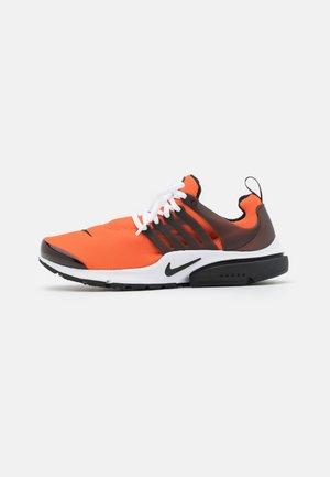 AIR PRESTO UNISEX - Trainers - orange/white/black