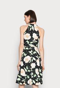 Anna Field - HALTER NECK BRAIDED BELT DRESS  - Žerzejové šaty - black/white/green - 2