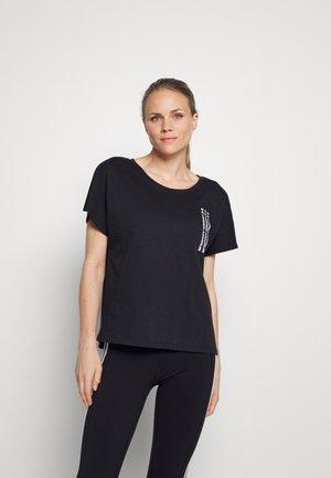 LIVE REPEAT GRAPHIC TEE - Camiseta estampada - black/white