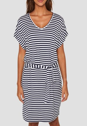 MIT BINDEGÜRTEL - Jersey dress - white