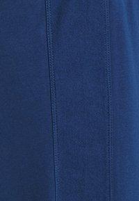 MAMALICIOUS - MLBELMA PANTS - Teplákové kalhoty - estate blue - 2