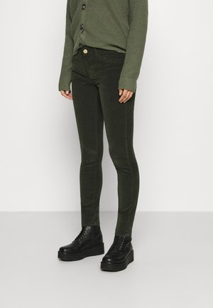 SUMNER PANT - Pantaloni - duffel bag