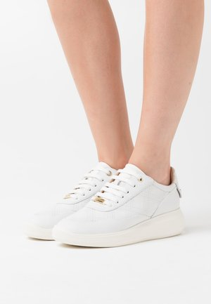 RUBIDIA - Trainers - white