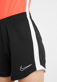 Nike Performance - DRI FIT ACADEMY - Korte broeken - black/white - 3