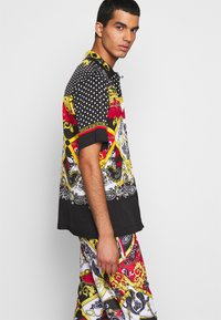 Versace Jeans Couture - BELT PAISLEY - Camisa - black - 3