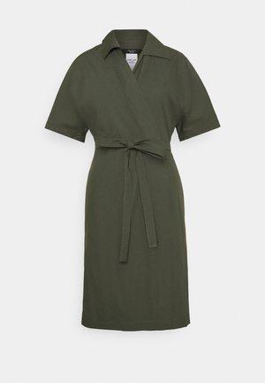 AUSTIN - Denní šaty - khaki