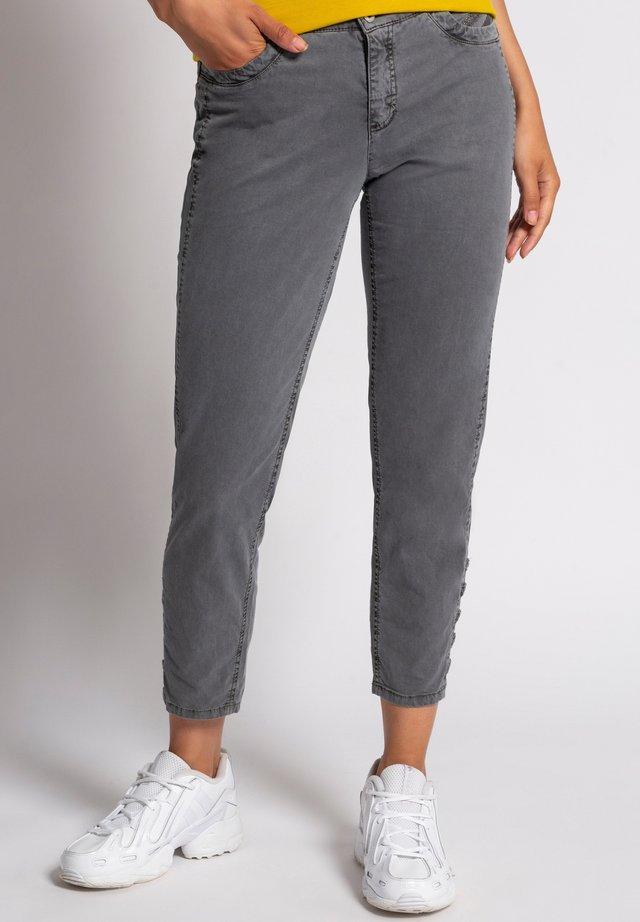 TINA - Slim fit jeans - kohlegrau