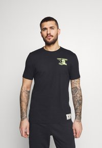 Under Armour - ROCK WRECKING CREW - T-shirt imprimé - black - 0