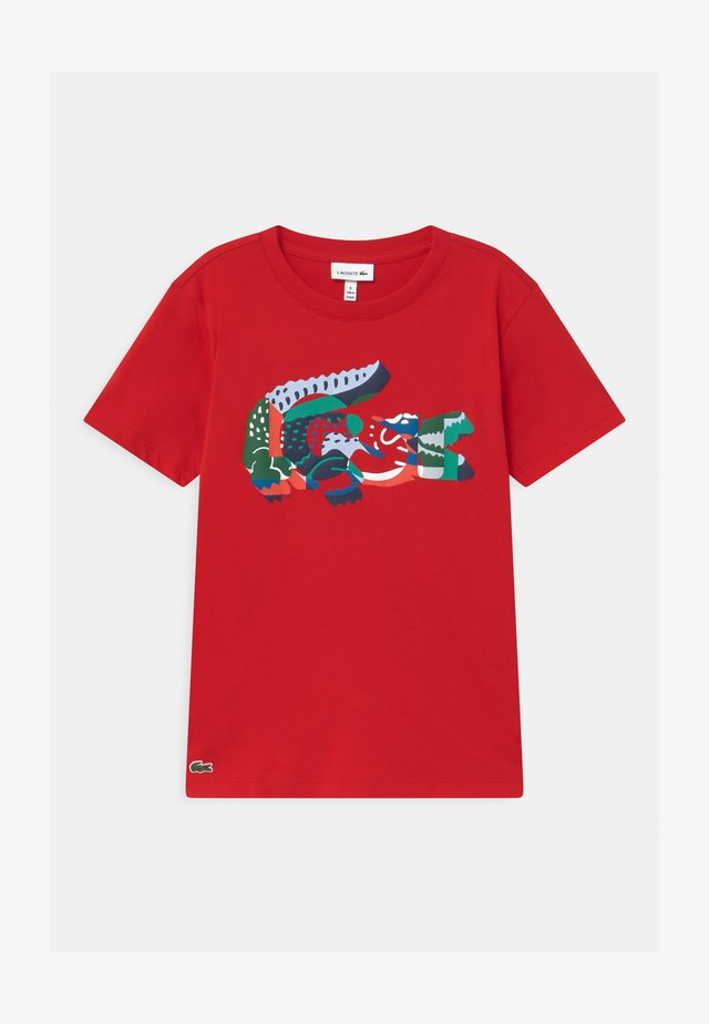 T-shirt con stampa - rouge/multico