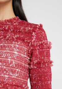 Needle & Thread - FLORAL SMOCKED LONG SLEEVE CROP - Camicetta - cherry red - 5