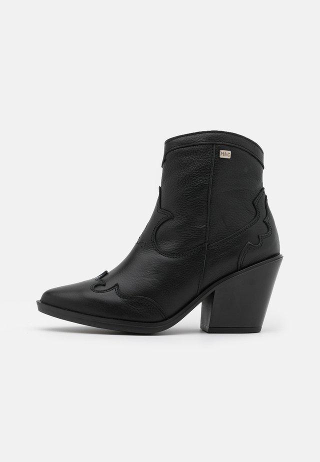 BRAMI - Ankelstøvler - black