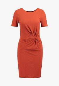 Pieces - PCMANULA DRESS - Shift dress - picante - 5