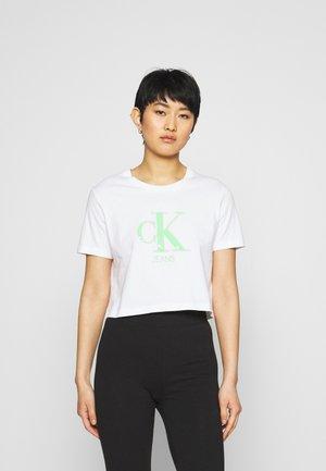 MONOGRAM LOGO TEE - Print T-shirt - bright white