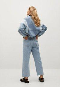 Mango - JULIETA - Relaxed fit jeans - middenblauw - 2