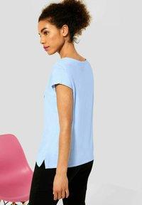 Street One - MIT PARTPRINT - Print T-shirt - blau - 2