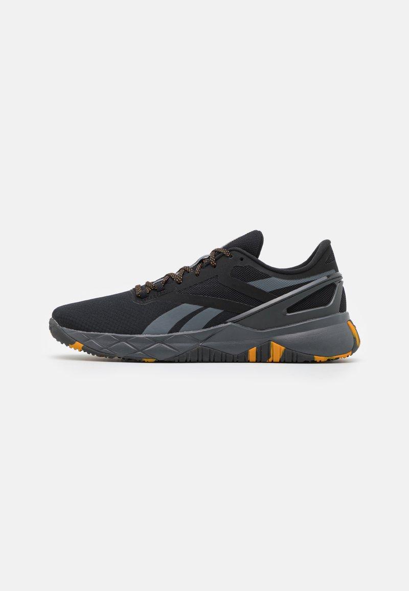 Reebok - NANOFLEX TR - Zapatillas de entrenamiento - core black/cold grey