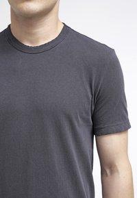 James Perse - CREW NECK - Jednoduché triko - carbon - 4