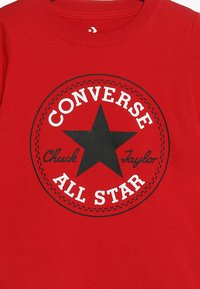 Converse - CORE CHUCK PATCH TEE  - T-shirt con stampa - enamel red - 3