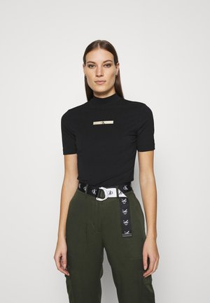 GOLD MICRO LOGO MOCK NECK TEE - T-shirt z nadrukiem - black