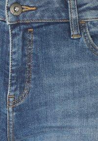 edc by Esprit - Jeansshorts - blue medium - 2
