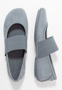 Camper - RIGHT NINA - Ballerina's met enkelbandjes - medium grey - 3