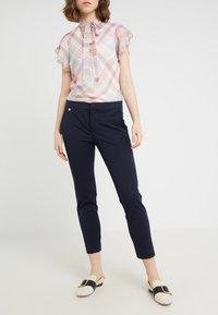 Lauren Ralph Lauren - LYCETTE PANT - Trousers - navy - 0
