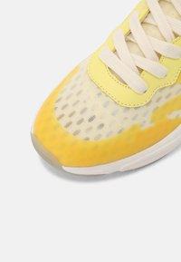 Scotch & Soda - LOU - Sneakers laag - lemon - 7