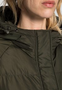 Résumé - ALEXA JACKET - Winter coat - army - 4