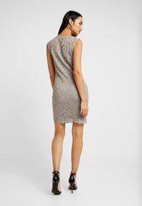 Vero Moda - VMLALI DRESS - Cocktailkleid/festliches Kleid - stone - 2