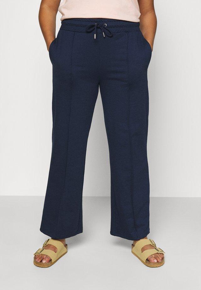 PLEAT FRONT WIDE LEG JOGGERS - Pantalones - navy