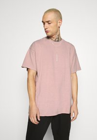 Topman - VERT LONDON TEE - Print T-shirt - pink - 0