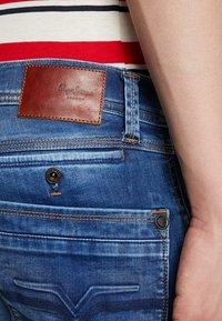 Pepe Jeans - SPIKE - Straight leg jeans - medium used powerflex - 5