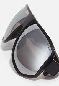 Guess - Sunglasses - shiny black/smoke mirror - 4