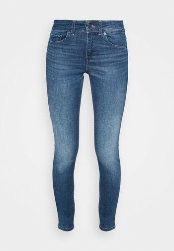 VMLUX - Jeans Skinny Fit - dark blue denim