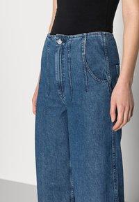 Ética - DEVON - Flared Jeans - sequoia - 3
