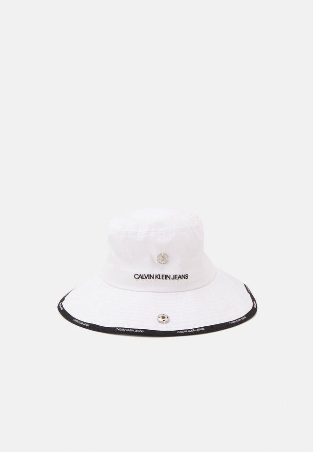REV BUCKET DEBOSS - Cappello - black/white