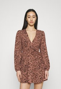 Missguided - ANIMAL WRAP PLUNGE SKATER DRESS - Day dress - rust - 0