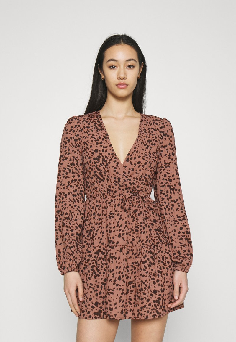 Missguided - ANIMAL WRAP PLUNGE SKATER DRESS - Day dress - rust