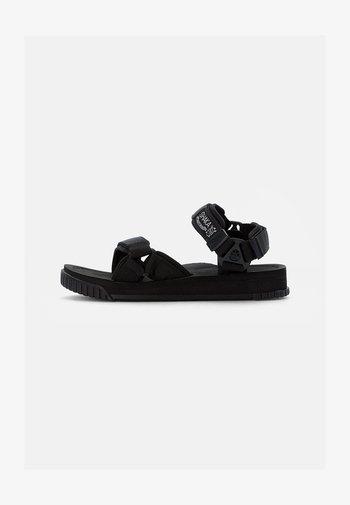 NEO CLIMBING - Sandaalit nilkkaremmillä - black