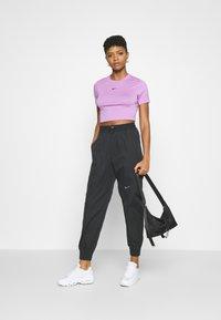 Nike Sportswear - TEE SLIM - Basic T-shirt - violet shock - 1