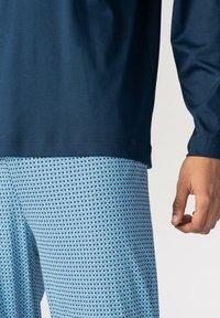 mey - LANGER SCHLAFANZUG - Pyjama set - yacht blue - 2