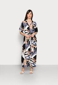 mine to five TOM TAILOR - DRESS KAFTAN MAXI PRINTED - Maxi dress - sand blue palms design - 0